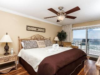 SL 502 - BEAUTIFUL 2 bedroom BEACH FRONT, MASTER ON THE BEACH SIDE! - Fort Walton Beach vacation rentals