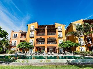 Luxurious 2BR beachfront condo- custom kitchen, patio, internet HOR102 - Tamarindo vacation rentals