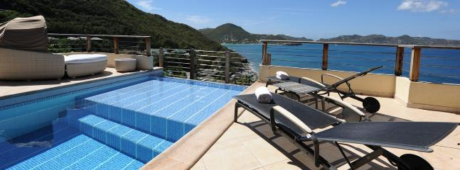Cest La Vue 2 Bedroom SPECIAL OFFER - Pointe Milou vacation rentals