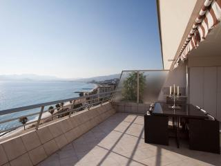 Appartment Facing The Sea Cannes Croisette  4 Pers - Cannes vacation rentals