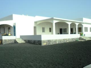 Cozy 3 bedroom Porto Novo Villa with Internet Access - Porto Novo vacation rentals