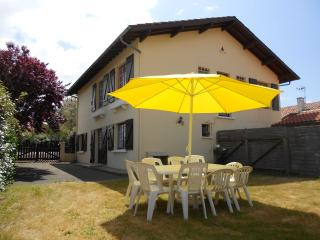 Nice House with Television and Microwave - Vieux-Boucau-les-Bains vacation rentals