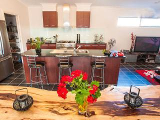The Best West of Melbourne WiFi and Spa - Melbourne vacation rentals