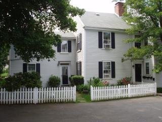 One bedroom apt in historic harbor area - Marblehead vacation rentals