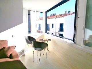 Bright 2 bedroom Condo in Calella De Palafrugell - Calella De Palafrugell vacation rentals