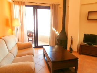 Bright 2 bedroom Apartment in Llafranc with Dishwasher - Llafranc vacation rentals