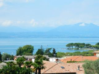 LUXURY HOLIDAY VILLA GARDA LAKE ( incl. 2 persone) - Bardolino vacation rentals
