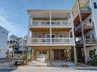 120 Coastal Cay - LUXURY HOME W/  PRIVATE ELEVATOR - North Topsail Beach vacation rentals