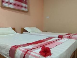 Madi Guest House Thulusdhoo Maldive - Camera 1 - Thulusdhoo Island vacation rentals