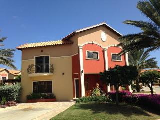 Beautiful & Clean Townhouse @ Gold Coast - Malmok Beach vacation rentals
