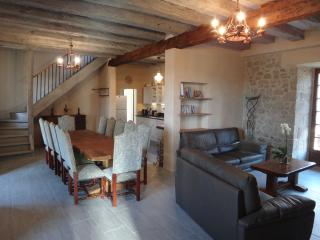 Nice Gite with Internet Access and Dishwasher - Treignac vacation rentals