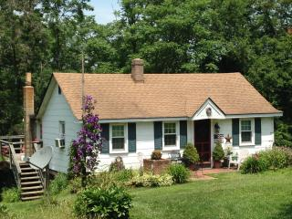 The Shepherd's Cottage at WeatherLea Farm - Lovettsville vacation rentals