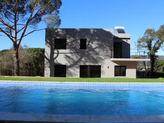 Fabulous villa with private pool Costa Brava - Sant Feliu de Guixols vacation rentals