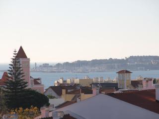 2 bedroom Apartment with Internet Access in Estoril - Estoril vacation rentals