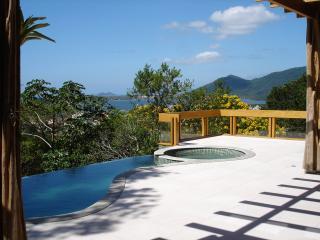 Casa entre a Mata ,Lagoa e Mar - Lagoa da Conceicao vacation rentals