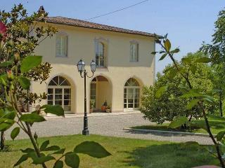 Comfortable 6 bedroom Villa in San Miniato - San Miniato vacation rentals