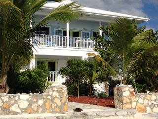 Beautiful Condo with Internet Access and A/C - Clarence Town vacation rentals