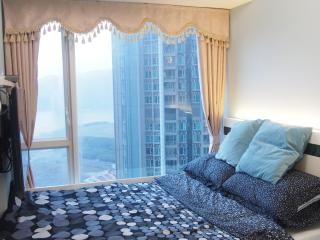 SPECTACULAR Seaview COOL Room - Hong Kong vacation rentals