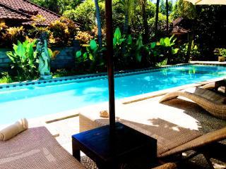 3 QuBed Kuta Villa, 2BR,2Levl,Beach - Kuta vacation rentals