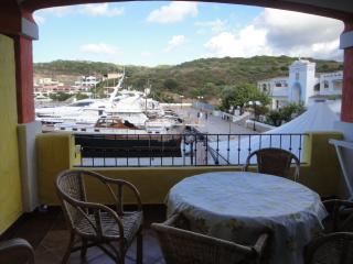 trilocale sul porto di Santa Teresa con veranda - Santa Teresa di Gallura vacation rentals