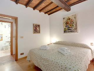 Apartment near Santa Maria Novella of Florence - Florence vacation rentals
