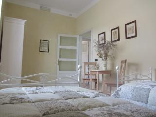 quiet and silent apt in strategic position - Verona vacation rentals