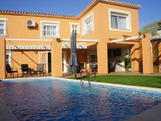 VILLA LEVANTE BEACH 4BD - Benidorm vacation rentals