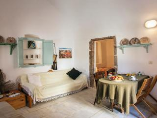 "Mesana - Traditional Stone House ""Jardiniere"" - Santorini vacation rentals"