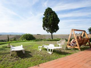 2 bedroom Farmhouse Barn with Satellite Or Cable TV in Pomaia - Pomaia vacation rentals
