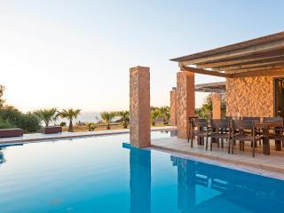 3 bedroom Villa with Deck in Livadia - Livadia vacation rentals