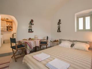 "Mesana Traditional Stone Houses ""Opuntia"" - Emporio vacation rentals"