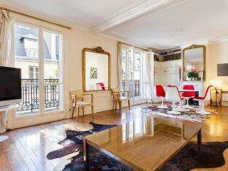 29. SUNNY BALCONY, LARGE & CALM MARAIS APARTMENT - Paris vacation rentals