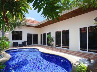 Pratumnak Pool Villa 1B - Pattaya vacation rentals