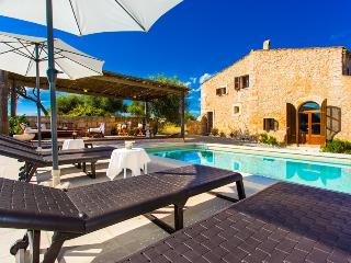 Finca for 6 people in a peaceful environment - Saint Llorenç des Cardassar vacation rentals