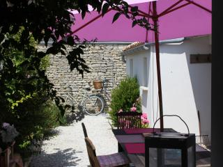 Maison de charme St Clément Ile de Ré - Clement des Baleines vacation rentals