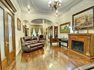 Montreal Chateau - Montreal vacation rentals