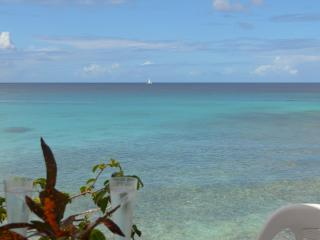 Charming and affordable cottage by the beach - Fitts vacation rentals