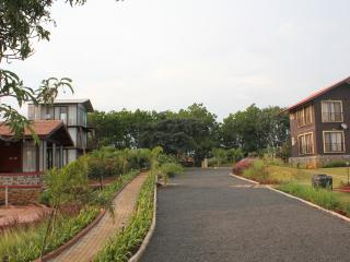 JenJon Lake Vaitarna Resort - Igatpuri - Igatpuri vacation rentals