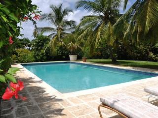 Nestled in the heart of a 3 acre state, this villa is truly a treasure. RL EVE - Gibbes vacation rentals
