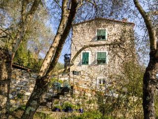 Rapallo: Il Casone (Unit Piano Nobile) - Rapallo vacation rentals