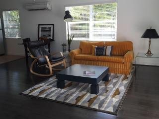 2 ROOMS APARTMENT WALKING DISTANCE TO THE BEACH - Lauderdale by the Sea vacation rentals