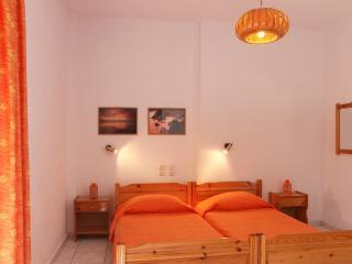 Stafylos studio no 4 (Top floor) - Stafylos vacation rentals