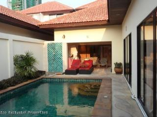 Lovely Pool Villa with 2 Bedrooms - 541 - Pattaya vacation rentals