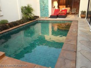 Lovely Pool Villa with 2 Bedrooms - 542 - Pattaya vacation rentals