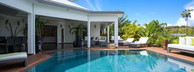 Villa Carmen 3 Bedroom SPECIAL OFFER - Vitet vacation rentals