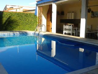 Casa Piscina 6 camas Wi Fi 4 cuadras da Praia - Itanhaem vacation rentals