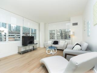 Luxury 1 Bedroom bloc away from Times Square - New York City vacation rentals