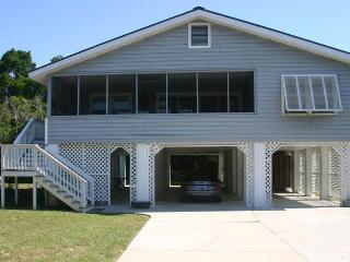 4 bedroom House with Porch in Pawleys Island - Pawleys Island vacation rentals