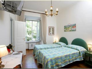 APT047 Colosseo - Labicana - Rome vacation rentals