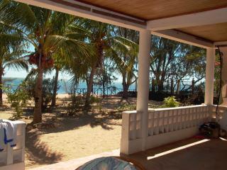 """Villa """"Pieds dans l'eau""""-Mahajanga (Majunga) - Mahajanga vacation rentals"""